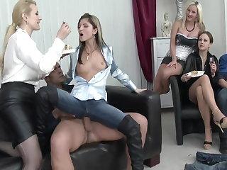 Bifil orgie porno videoer